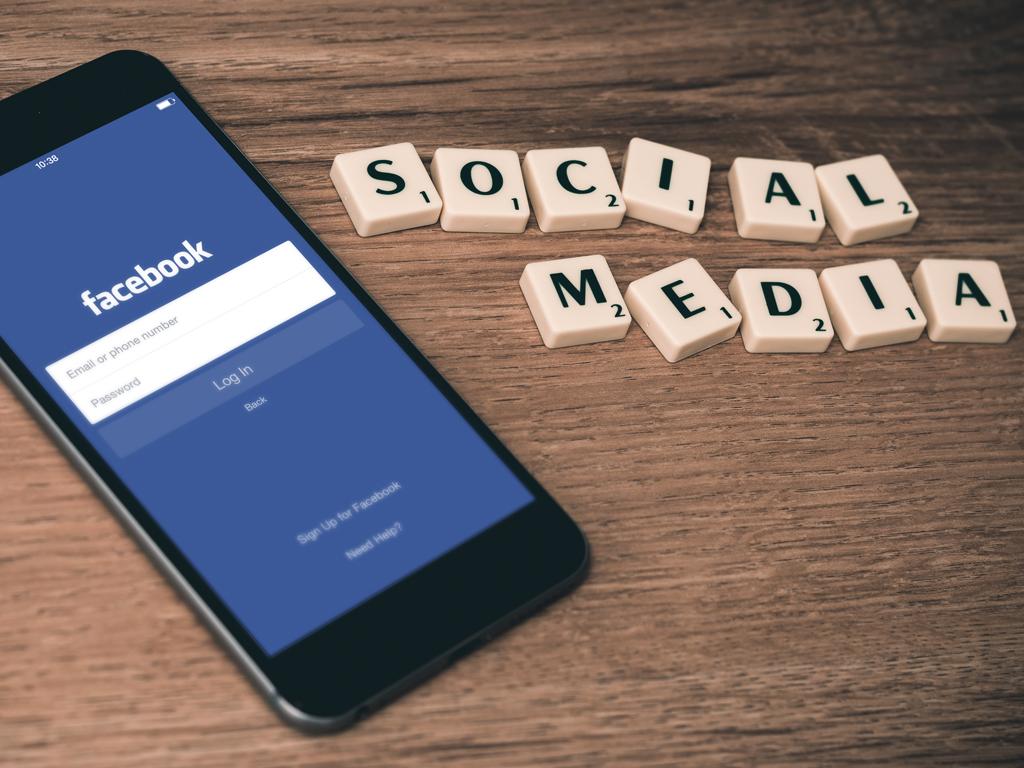 cover_social media
